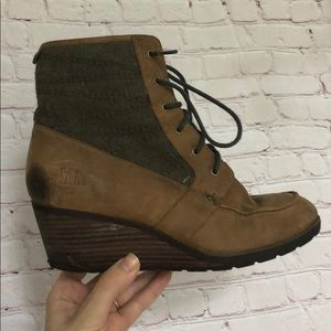 Waterproof North Face Olive and Leather Booties